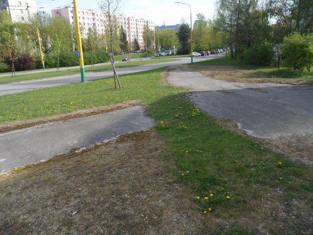 Komunitný park s jazierkom