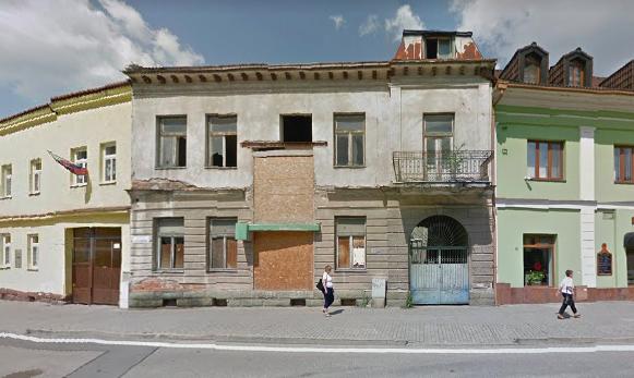 Z opustenej budovy na filmový klub